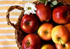 Finał – jabłkowej poezji na targowisku
